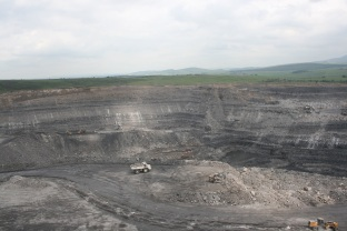A lone Terex haul truck overlooks a Scottish Coal open pit in 2009. Copyright: The Intelligent Miner