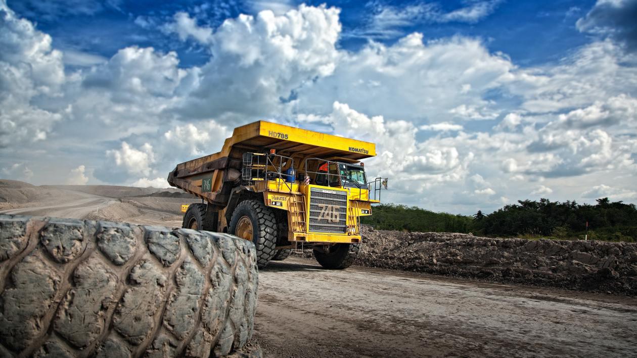 Komatsu mining truck in South Kalimantan, Indonesia. Image: Dominik Vanyi/Unsplash
