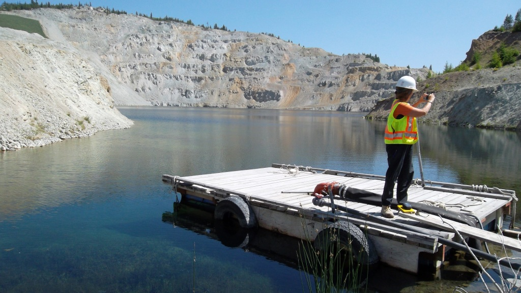 Studying a mine pit lake. Image: BRIMM